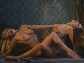 Hot Spot: Lolida 2000 - Lesbian Cellmates